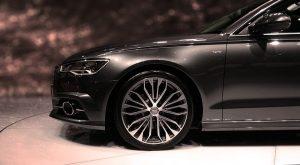 Boom nákupů aut nahrává sekundárně odvětví pojištění vozidel